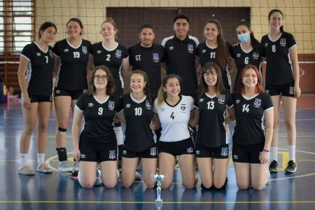 series-menores-sub-16-de-colocolo-voleibol-disputo-la-final-del-torneo-regular-de-avolco